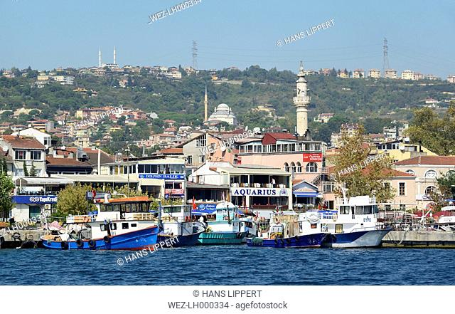 Turkey, Istanbul, Fishing harbour in Sariyer