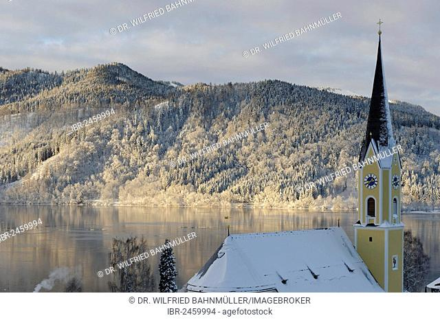 Lake Schliersee with the Church of St. Sixtus in winter, Upper Bavaria, Bavaria, Germany, Europe