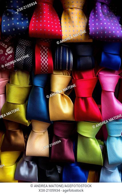 Ties in a row