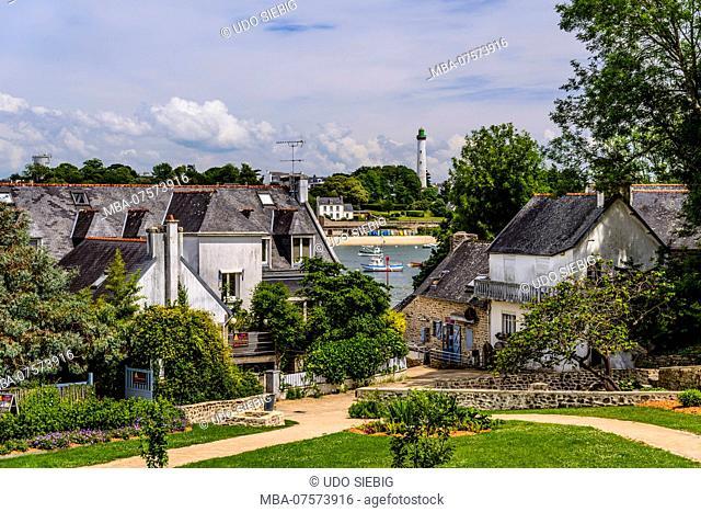 France, Brittany, Finistère Department, Sainte-Marine, park near access to port