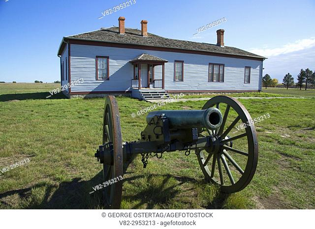 Field Officer's Quarters with cannon, Fort Buford State Historic Site, North Dakota