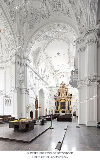 Kiliansdom, view in the Southern transept, Würzburg