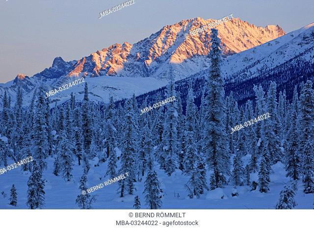 North America, the USA, Alaska, North Alaska, James Dalton Highway, winter scenery, Brooks Range