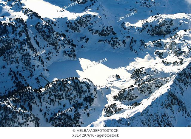 Colomers hut mountain, Major de Colomers lake  Aiguestortes National Park  Pyrenees  Lerida Province  Catalonia  Spain