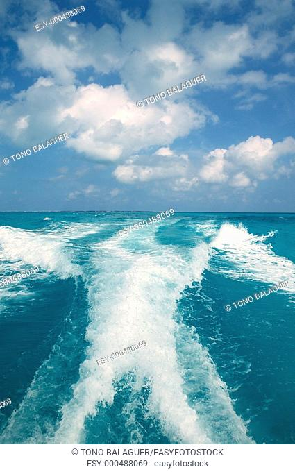Caribbean blue turquoise sea water boat white wake