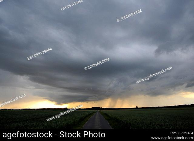 gewitterwolke, gewitterwolken, Gewitter, wetter, wolke, wolken, regen, unwetter, wolkenhimmel, himmel, regen, nass, abend, abends