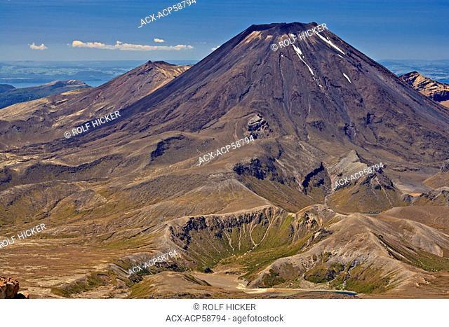 Mt Ngauruhoe, Whakapapa Skifield, Mt Ruapehu,Tongariro National Park, World Heritage Site, Central North Island, New Zealand