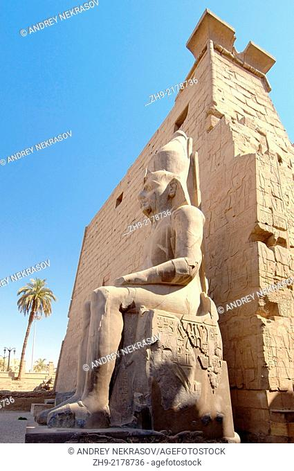 Statue Ramesses II, Luxor Temple Complex, Luxor (Thebes), Egypt, Africa