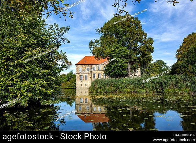 Renaissanceburg und Wasserburg Luedinghausen in Luedinghausen, Muensterland, Nordrhein-Westfalen