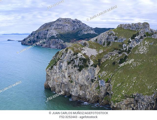 Mount Candina, La Yesera, Cantabrian Sea, Liendo Valley, Cantabria, Spain, Europe
