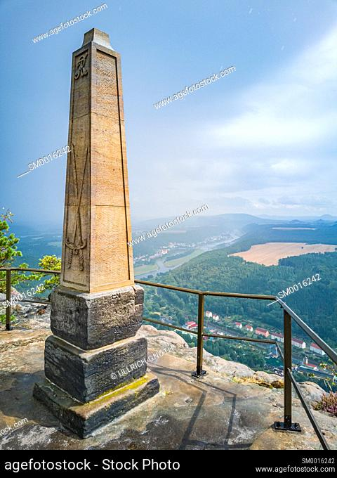 Elbe Sandstone Mountains (Saxon Switzerland), Saxony, Germany, obelisk on the Lilienstein rock to commemorate the ascent by King August der Starke and panoramic...
