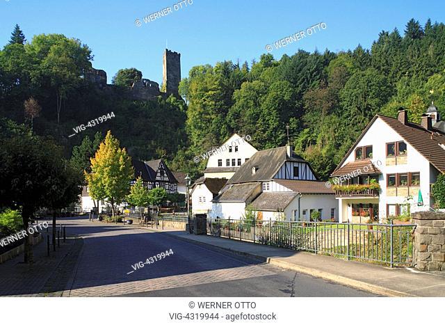 Germany, HOEHR-GRENZHAUSEN, GRENZAU, 27.09.2008, D-Hoehr-Grenzhausen, Verbandsgemeinde Hoehr-Grenzhausen, Brexbach, Brexbachtal, Naturpark Nassau, Westerwald