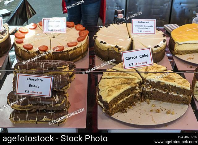 Tortas en venta en el Borough Market, Southwark, Londres, UK