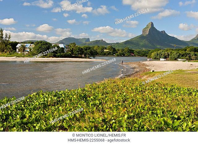 Mauritius, South-West Coast, Black River District, Tamarin, Montagne du Rempart overlooking the Baie du Tamarin