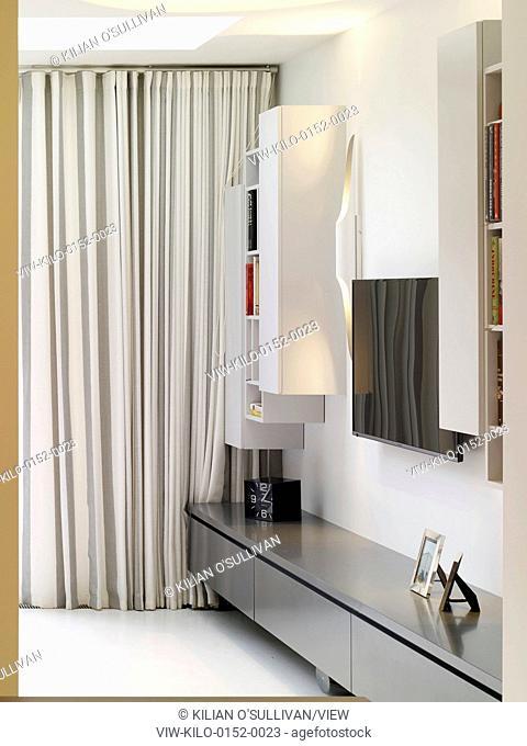 Living room. Maida Vale House, London, United Kingdom. Architect: Stiff + Trevillion Architects, 2014
