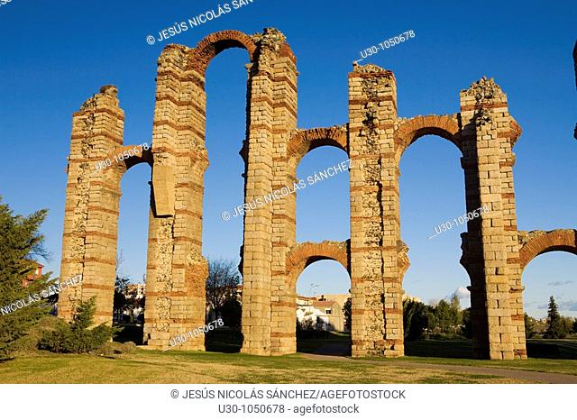 Roman acueduct of Mérida city, in Badajoz province  Extremadura  Spain