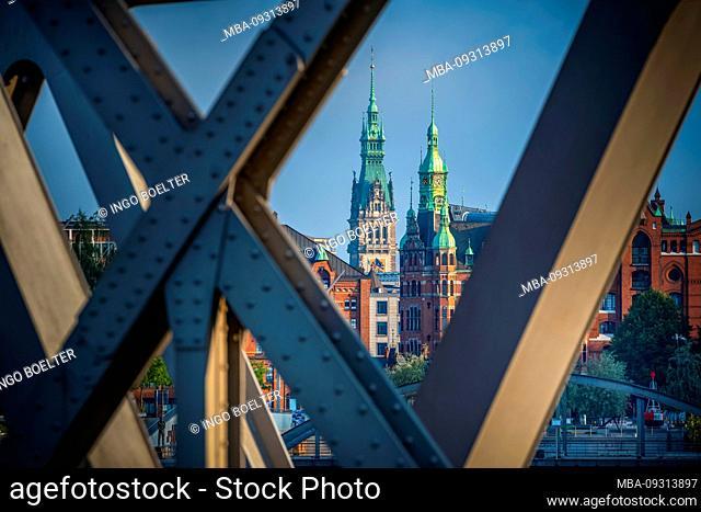 Germany, Hamburg, Elbe, harbor, Hafencity, bridge, Magdeburger bridge