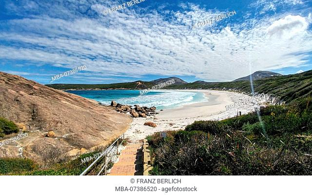 Australia, Esperance, Cape Le Grand National Park, white sand beach, turquoise blue sea
