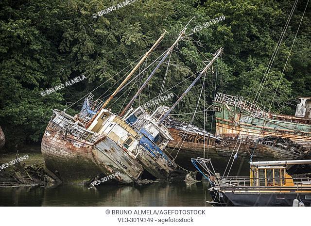Graveyard of ships in Pouldavid river estuary, Douarnenez (department of Finistère, region of Bretagne, France)