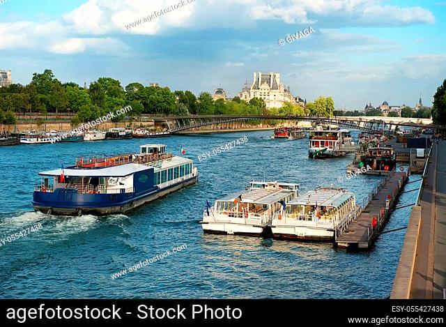 cruise ship, paris