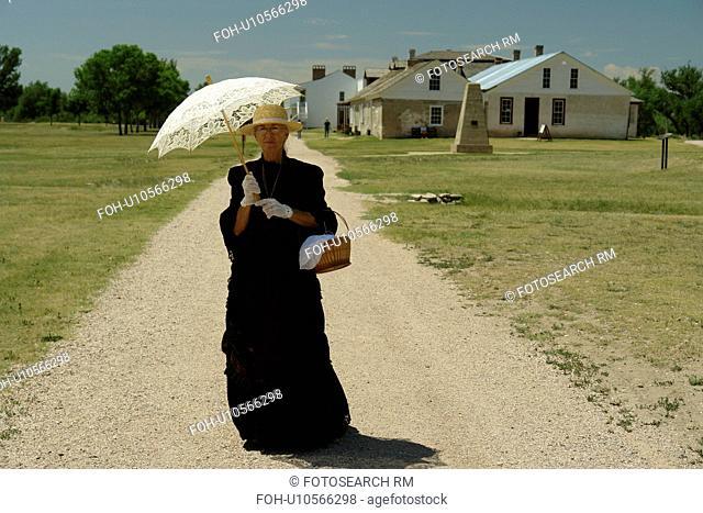 Fort Laramie, WY, Wyoming, Fort Laramie National Historic Site, pioneer woman