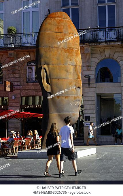 France, Gironde, Bordeaux, area classified as World Heritage, le Triangle d'Or, Place de la Comédie, the statue of Jaume Plensa's