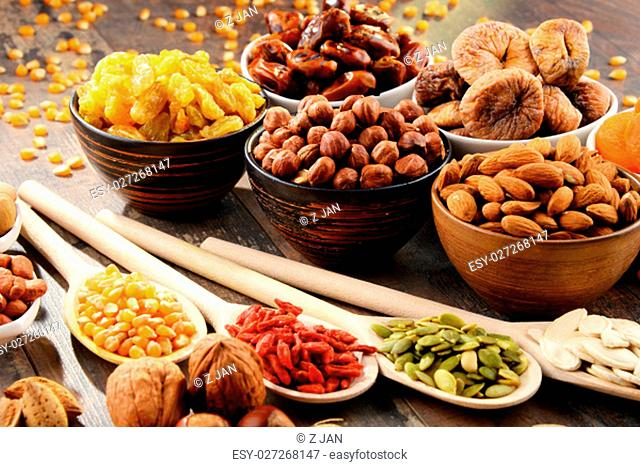 Composition with dried fruits and assorted nuts