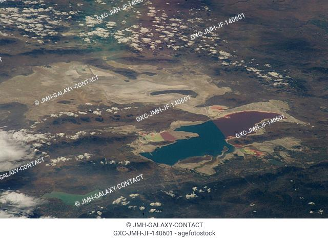 As in the case of many previous space missions, the Great Salt Lake in Utah serves as a striking visual marker for the Expedition 40 crew members orbiting 222...