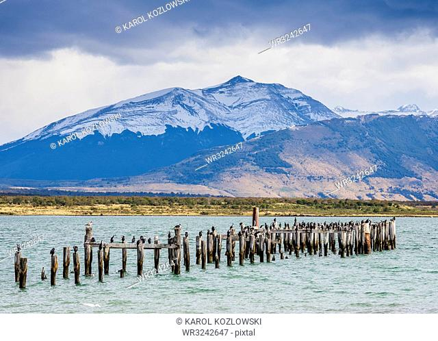 Gaffos Pier, Admiral Montt Gulf, Puerto Natales, Ultima Esperanza Province, Patagonia, Chile, South America