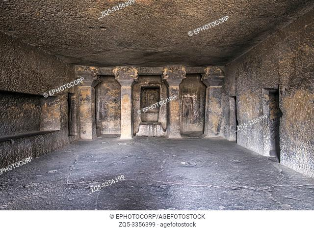 Cave 17, Interior view of the vihara with cells for the monks, Nasik, Maharashtra