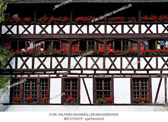 Maison des Tanners, half-timbered house, restaurant, Petite-France, Strasbourg, Département Bas-Rhin, Alsace, France