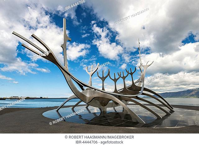 Sun Voyager, steel sculpture, Viking ship, Reykjavik, Iceland