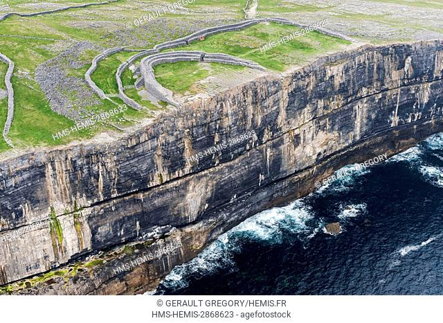 Ireland, County Galway, Aran Islands, cliffs of Inishmore, Dun Aengus (aerial view)