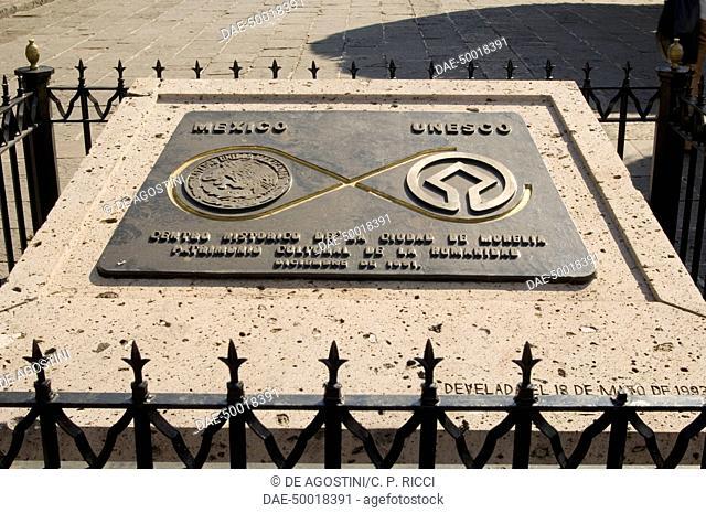 Plaque commemoration Morelia's inclusion into the Unesco World Heritage List, historic centre of Morelia (Unesco World Heritage List, 1991), State of Michoacan