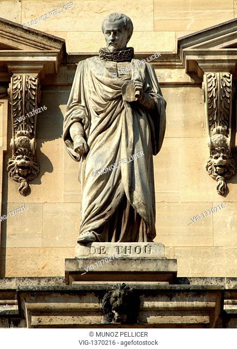 FRANCE, PARIS, 01.05.2007, Statue of French historian Jacques-Auguste de THOU at the facade of The Louvre Museum - Palais Royal. Paris. France