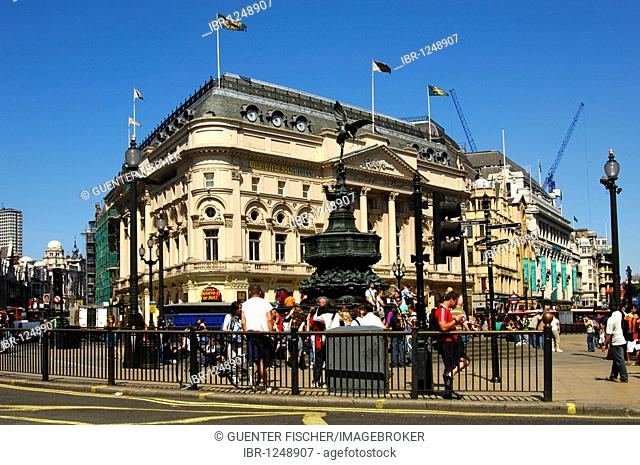 Piccadilly Circus square with the Shaftesbury memorial fountain and statue of Anteros by Alfred Gilbert, London, UK, Europe