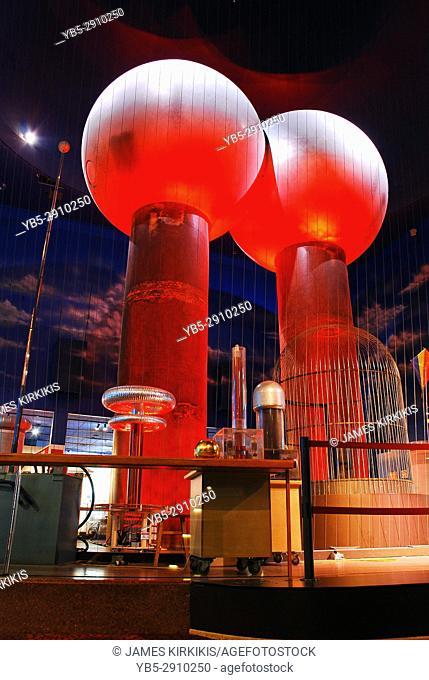 A Large Van der Graaf Generator at the Boston Museum of Science