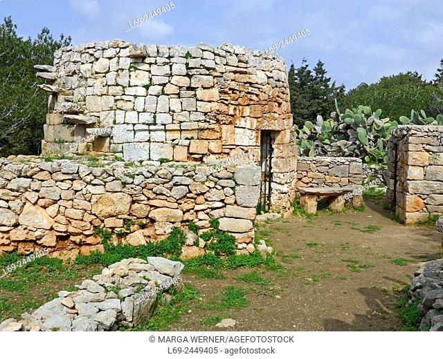 "Restored historic stone hut aka """"Girna"""", Marfa Ridge, north of island Malta, Mediterranean Sea"