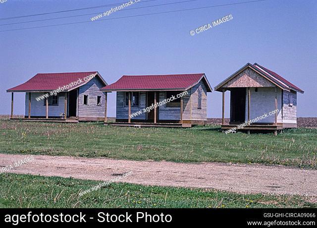 Youngville Cafe Cabins, Route 30, near Van Horne, Iowa, USA, John Margolies Roadside America Photograph Archive