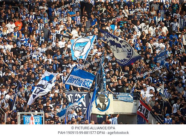 14 September 2019, Rhineland-Palatinate, Mainz: Soccer: Bundesliga, FSV Mainz 05 - Hertha BSC, 4th matchday in the Opel Arena. The Hertha fan block