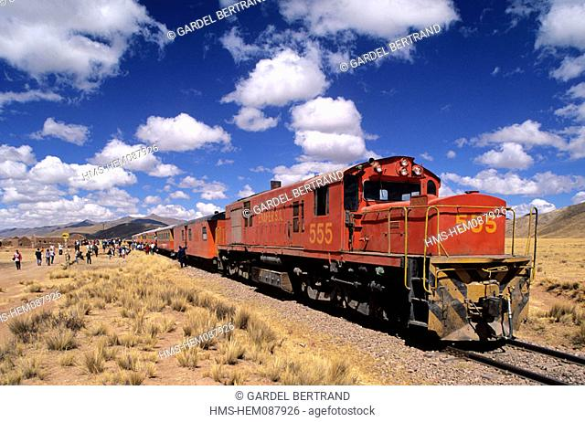 Peru, Puno Department, Altiplano, train between Puno and Cuzco