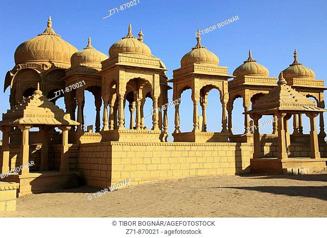 India, Rajasthan, Jaisalmer, Sunset Point, cenotaphs