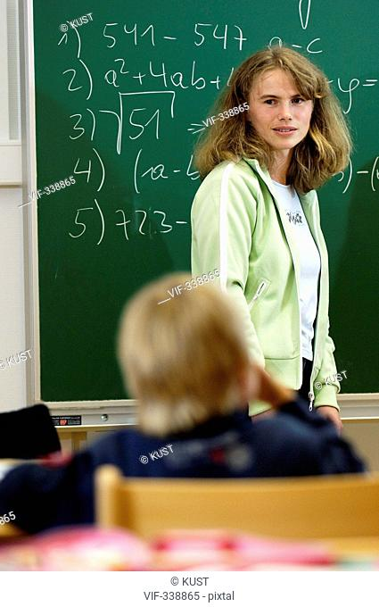 Lehrerin unterrichtet Mathematik - 31/08/2005