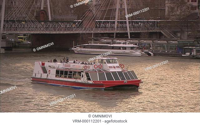 TS WS Cruise boat / Embankment, London, UK