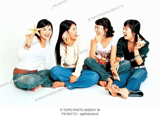 Young Women With Seashells,Korean