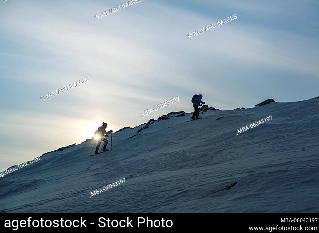 Snowshoe tour on the Kj›len (790 m), Kval›ya, Norway