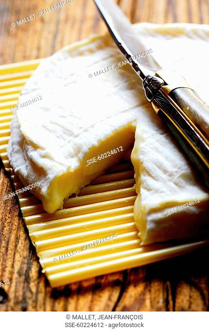 Goat's cheese with a Laguiole knife