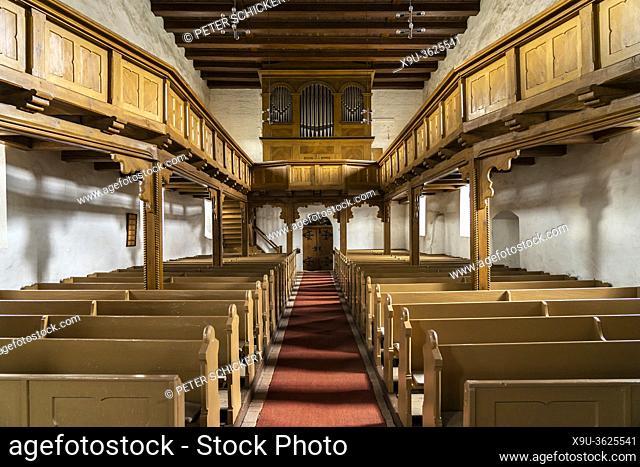 Innenraum und Orgel der Stadtkirche St. Georg in Arneburg, Landkreis Stendal, Sachsen-Anhalt, Deutschland | St. George church interior and organ, Arneburg