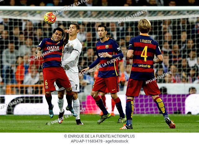 2015 La Liga Football Real Madrid v FC Barcelona Nov 21st. 21.11.2015. Madrid, Spain. Daniel Alver da Silva (6) FC Barcelona and Cristiano Ronaldo dos Santos...