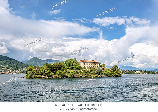 Palazzo Madre at Isola Madre, Lago Maggiore, seen from the lakeside, Piemont, Italy